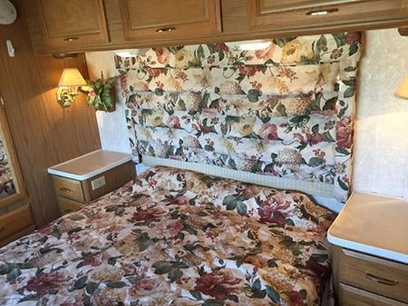 Used Fleetwood RV Bounder