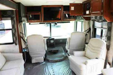 Motorhome Fleetwood Pace Arrow 33V