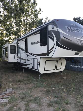 Keystone RV Montana 5th Wheel Trailer